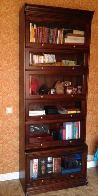 Книжный шкаф арт.15413 в интерьере, мебель инжонезии