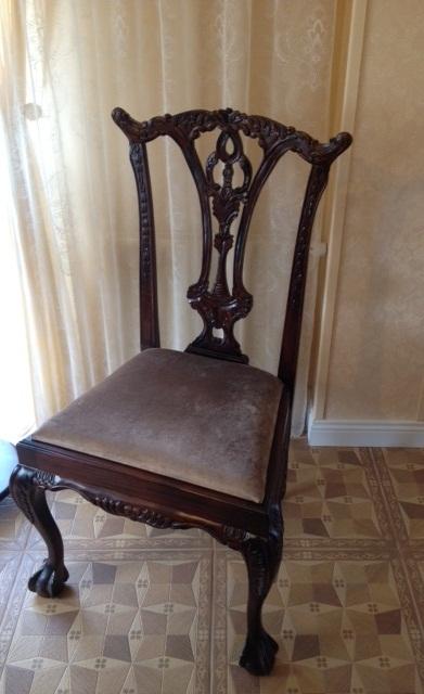 стул деревянный для столовой с резной спинкой и мягким сидением, индонезия